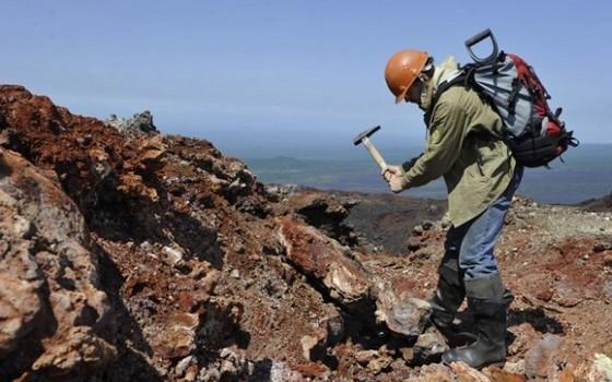 геологи ищут нефть картинки